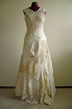 Doily Dress by Presscloth on Etsy Vintage Crochet, Vintage Lace, Vintage Dresses, Look Fashion, Diy Fashion, Crochet Wedding Dresses, Moda Vintage, Altered Couture, Linens And Lace