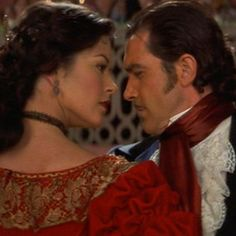 Mask of Zorro 1998 Another man on a horse, very romantic Catherine Zeta Jones, Period Movies, Period Dramas, She Movie, Movie Tv, The Legend Of Zorro, The Mask Of Zorro, Masked Man, Cinema