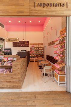DELI / Diseño Restaurante on Behance Cake Shop Interior, Bakery Interior, Coffee Shop Interior Design, Coffee Shop Design, Cake Shop Design, Bakery Design, Cafe Design, Deco Restaurant, Restaurant Design