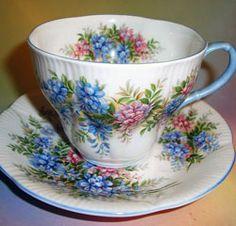 Royal Albert - Blossom Time Series - Wisteria