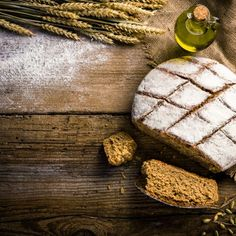 Μοναστηριακό ψωμί / Monastery bread. Εύκολη συνταγή για μοναστηριακό ψωμί, κατάλληλο να συνοδεύσει οποιοδήποτε γεύμα της ημέρας! #monasterbread #bread #breadrecipes #greekbread #monastery #traditional #greekfood #greekrecipes #greekfoodrecipes #sintagespareas #συνταγές #ελληνικα #ελλάδα #crete Cookies, Desserts, Food, Crack Crackers, Tailgate Desserts, Deserts, Biscuits, Cookie Recipes, Meals