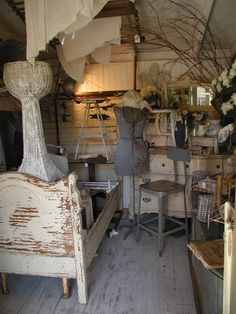 """Love this!  I'll have to find this shop!!  Virginia of """"Serendipity Antiques"""" Temecula, Ca."""