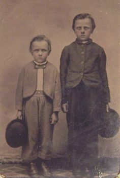 Jesse James and his brother Frank as children
