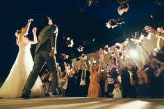 演出も装飾もすべてが素敵!ゲストとの絆が深まる〔オリジナルウェディング〕事例6選♩にて紹介している画像 Wedding Photos, Concert, Marriage Pictures, Concerts, Wedding Photography, Wedding Pictures