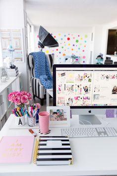 New Blog Design + 2018 Goals   Home office, Girl Boss, Tips, Blog, Desk, Annawithlove Blog