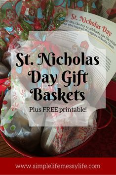 Nicholas Day gift baskets - a fun Advent/St Nick's tradition! 12 Days Of Xmas, Christmas And New Year, Christmas Time, Christmas Goodies, Christmas Activities, Christmas Traditions, Family Traditions, Primitive Christmas, Primitive Crafts