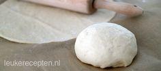 Check: heel zakje gist en hele theelepel suiker +extra italiaanse kruiden. Top! basisrecept voor pizzadeeg en handige tips