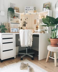 a 75 White Bohemian Home ( Home Office, Office Desk, Carnival Holiday, White Bohemian, Corner Desk, Ikea, Furniture, Studying, Austria
