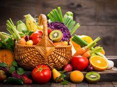 Chladné počasie skúša imunitu a vianočné hodovanie zasa tráviacu sústavu. Preto je konzumácia ovocia a zeleniny v tomto období viac než aktuálna. Podľa odborníka na výživu MUDr. Petra Minárika by sme nemali robiť rozdiel medzi tým, ktorý druh ovocia a zeleniny je najzdravší!