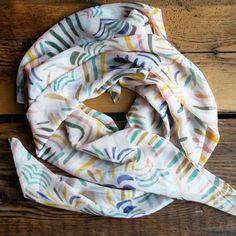 Soft Polyester Silk Head Scarf Square Fashion Print Western Rattlesnake Neckerchief Girls Scarf For Women Silk Scarf Multiple Ways Of Wearing Daily Decor
