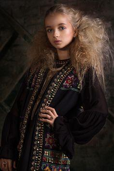 Stylists, Sari, Elegant, Model, Photography, Clothes, Fashion, Saree, Classy