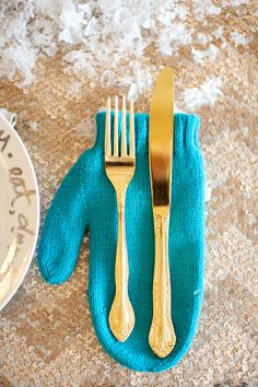 mitten place settings