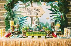 Jungle Themed First Birthday - Pretty My Party #jungle #party #ideas