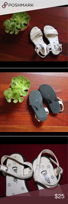 Coasters Girl's Shoes Coasters Girls Size 13. Comfortable shoes for the on the go family. With an adjustable side strap these shoes can fit almost any ankle. Rubber soles give protection to your loved one as well as long lasting life. Some pealing on straps, not noticeable. 📦 Bundles Welcome 🙅🏻 NO Trades 🚚 Same/Next Day Shipping 👌🏼Offers Welcomed Coasters Shoes Sandals & Flip Flops