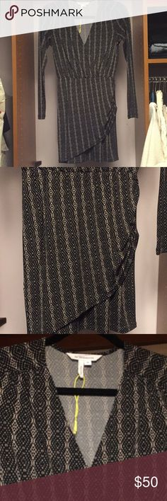 Bcbgeneration print dress Beautiful flattering dress. Perfect for work or a night out! BCBGeneration Dresses Mini