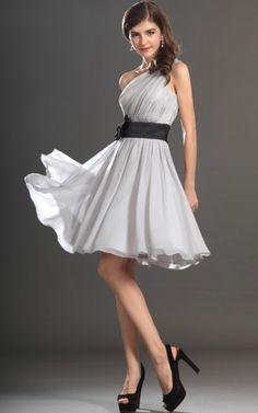 A-Linie ein Schulterfreies knielanges Abschlusskleid/ Brautjungfernkleid