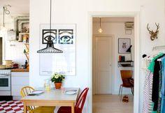 Compact retro i stilsäkra ettan - My home Small Apartments, Small Spaces, Small Living, Living Spaces, European Home Decor, European Style, Studio Living, Retro Home Decor, Home And Deco