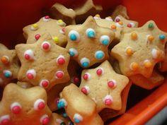 1 Christmas Love, Christmas Baking, Christmas Holidays, Xmas, Greek Sweets, Greek Recipes, Gingerbread Cookies, Pecan, Deserts