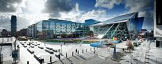 The central feature of the Bord Gáis Energy Theatre and Grand Canal Commercial Development in Dublin, Ireland, designed by Daniel Libeskind. Daniel Libeskind, Grand Canal, Drawing House Plans, Contemporary Building, Contemporary Architecture, Paris Skyline, Theatre, Landscape, Image