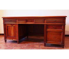 Writing Desk in mahogany - http://officedesksbuy.com/writing-desk-in-mahogany.html