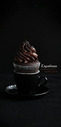 Perfect espresso chocolate cupcake [recipe in English and in Swedish].