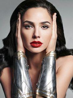 Gal Gadot is a stunning beauty inspiration!