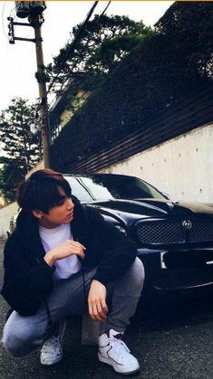 in which bts' jeon jungkook is in a relationship with model Kim Taehy… # Fanfiction # amreading # books # wattpad Bts Jungkook, Namjoon, Jungkook School, Jung Kook, Busan, Foto Bts, Jikook, Bts Memes, Billboard Music Awards
