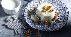 Πανακότα γιαούρτι με μέλι και καρύδια ! | Sokolatomania.gr, Οι πιο πετυχημένες συνταγές για οσους λατρεύουν την σοκολάτα και τις γλυκές γεύσεις.