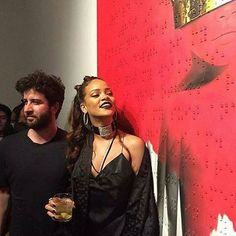 Who is the artist that helped Rihanna change the history of album art? Roy Nachum's artwork dons cover of pop sensation's 8th studio album – Anti.