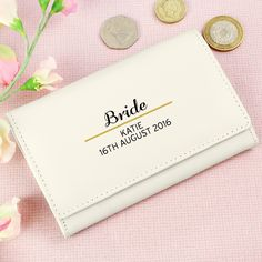 This Classic Cream Purse is sure to be a stunning and practical gift for a friend or a loved one.
