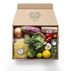 How to Pick The Right Meal Delivery Service for You - Healthy Food Delivery - Ideas of Healthy Food Delivery - The Best Meal Kit Delivery Services for Your Healthy-Eating Needs Welcome Home Gifts, Healthy Food Delivery, Delivery Food, Wine Delivery, Meal Delivery Service, Blue Apron, Birthday Gifts For Sister, Mom Birthday, World Recipes