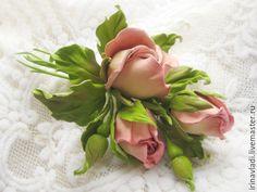 Купить Украшения из кожи.Брошь заколка цветы из кожи РОЗОВЫЕ БУТОНЫ РОЗ в интернет магазине на Ярмарке Мастеров