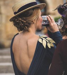 Canotier hat, golden leaves shoulder open back dress Mode Style, Style Me, Boater Hat, Looks Street Style, Outfits With Hats, Mode Inspiration, Glamour, Poses, Stylish