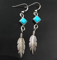 Turquoise, silver, beads… Things you need to know about the history of Native American Jewelry. Native American Totem, Native American Jewellery, American Indian Jewelry, American Indian Art, Navajo Jewelry, Wire Jewelry, Jewelery, Ring Earrings, Trading Post