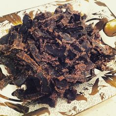 Who else is on an all meat diet? Biltong is a form of seasoned dried meat similar to jerky made exclusively from fine cuts of all beef steak. Even though biltong and jerky are both dried meats, there are a few differences that give biltong a fuller and more flavorful taste preferred by carnivores and omnivores all over the world.#beefjerky #whatdrivesyourhealth #gym #dominateyoursnacking #meatchips #pepper #farmraised #cleaneating #grassfed https://bullandcleaver.com/