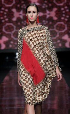 Tampilan Model Dress Motif Batik Ke Pesta Terbaru