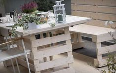 Arredare giardino con i bancali - Pallet per la zona pranzo - Decorate the garden with pallets - Pallets for the dining area Dining Area, Dining Table, Arona, Terrazzo, Objects, Shabby, Garden, Diy, House