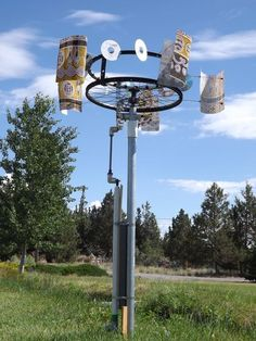 Simple wind-powered water pump for cheap #alternative energy