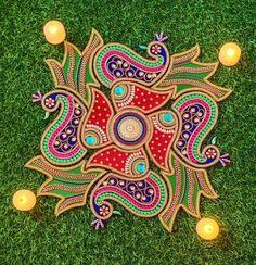 Peacock Rangoli, Flower Rangoli, Rangoli Patterns, Rangoli Designs Diwali, Diwali Diy, Diwali Craft, Diy Diwali Decorations, Festival Decorations, How To Make Garland