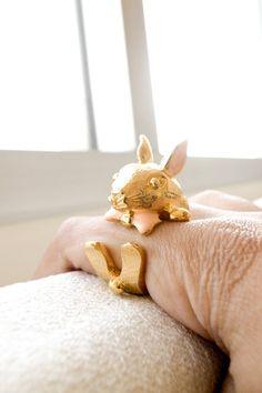 Rabbit Hug U Ring