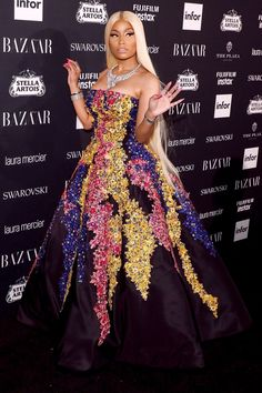 Every Major Moment You Can't Miss from NYFW, From the A-List Front Rows to Behind-the-Scenes Shots Prominente auf der Fashion Week: Die besten Fotos aus NYFW Frühling / Sommer 2018 – Nicki Minaj in Oscar de la Renta bei Bazaar Icons Nicki Minaj Outfits, Nicki Minaj Fashion, Nicki Minaj Pictures, Nicki Minaji, Nicki Minaj Barbie, Nicki Baby, Nicki Minaj Wallpaper, Little Mix, American Rappers