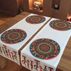 Maison de Fee Runner Bonvagon Fabric Painting Tutorial: Within this tutorial we'll provide you with Diy Y Manualidades, Crochet Decoration, Handmade Table, Elephant Pattern, Napkin Folding, Diy Table, Fabric Painting, Table Runners, Diy And Crafts