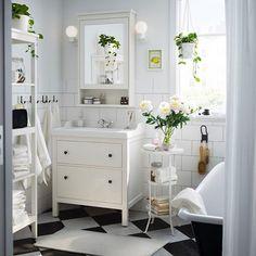 der runde teppich gibt dem wohnzimmer eine zentrierung | feng shui, Innenarchitektur ideen