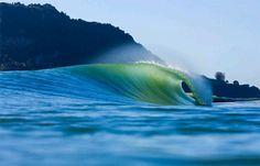 Breaking Emerald Wave, Hawaii