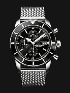 This 46 mm chronograph water-resistant to 200 m houses a chronometer-certified self-winding movement and is equipped with counters at 12, 9 and 6 o'clock. #breitling #menswatches #breitlingwatches