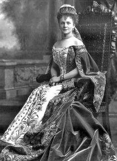 Russian court dress. Baroness Maria Graevinitz, the wife of Baron G. A. de Graevinitz, a Russian diplomat. 1900.