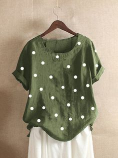 Polka Dots Print Short Sleeve Casual Summer T-Shirt look chipper and natural. NewChic has a lot of women T-shirts online for your choice, believe you will find your cup of tea. Polka Dot Shorts, Striped Shorts, Polka Dot Print, Polka Dots, Themed Outfits, Summer Tshirts, Types Of Collars, Mode Style, Casual T Shirts