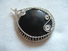 FlightFancy: Wire Wrap Woven Pendant Tutorial part 1 - another really nice wire wrapped pendant tutorial