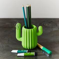 El organizador de escritorio de los cactusmaniacos Pot Organization, Desktop Organization, Pencil Holder, Pen Holders, Decoration Cactus, Pot A Crayon, Resin Uses, Great Valentines Day Gifts, Resin Material