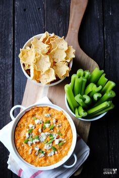 Healthy game day food: Skinny Buffalo Chicken Dip big on flavor, not on calories. Believe it or not!  | Gimme Some Oven